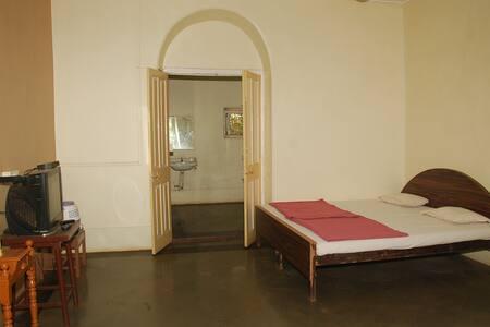 Private Room in Non AC Villa - Matheran - Villa