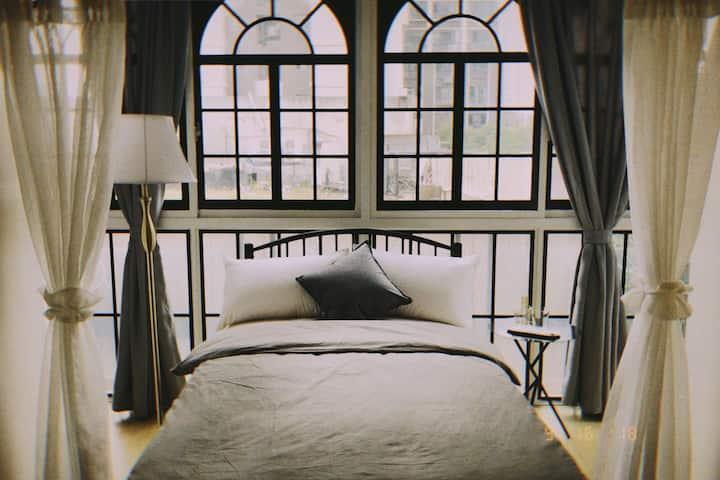【遐想花园】room2,美式冷淡风 超大软床高清投影仪 东塘商圈 近五一广场贺龙体育馆 舒适便利