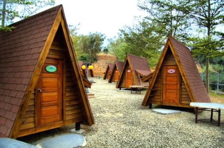 苗栗神農農場溫馨哈比屋/小木屋 Dwarf Cabin *限時超低價*