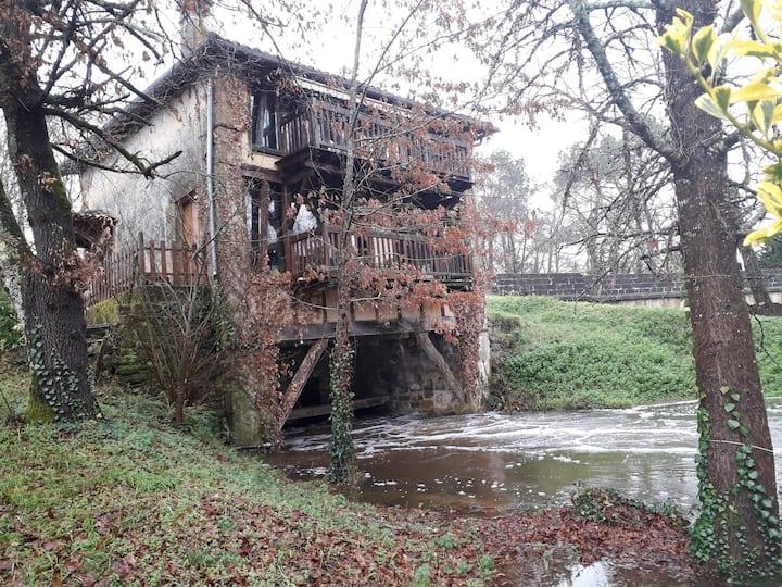 Notre moulin au fil de l'eau