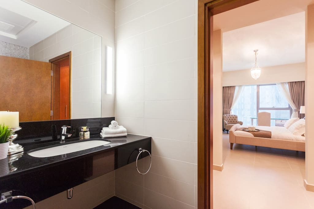 En-suite facilities with bathtub and shower