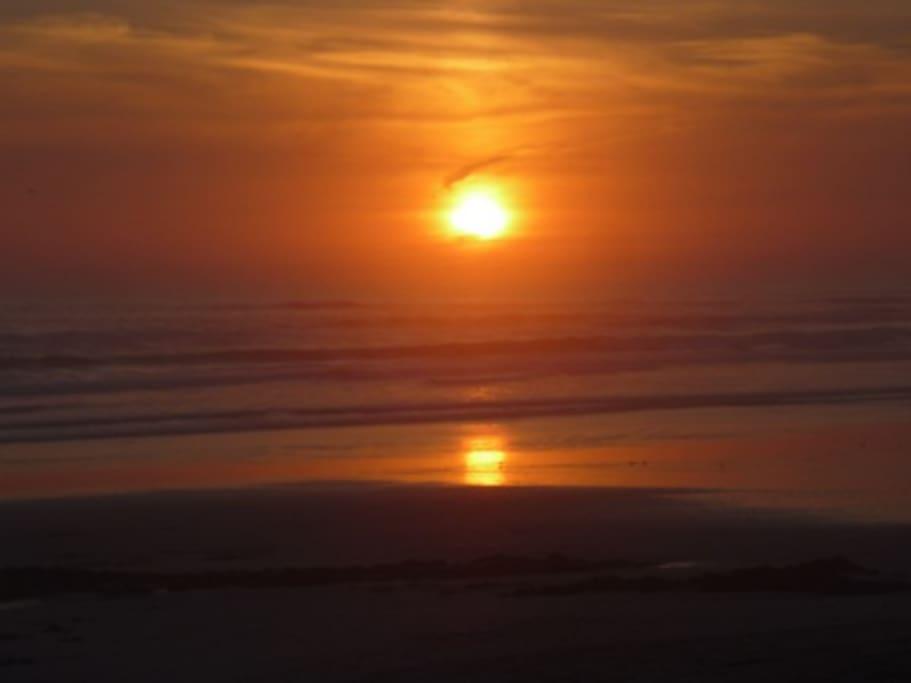 le soir sur la plage de TREGUENNEC