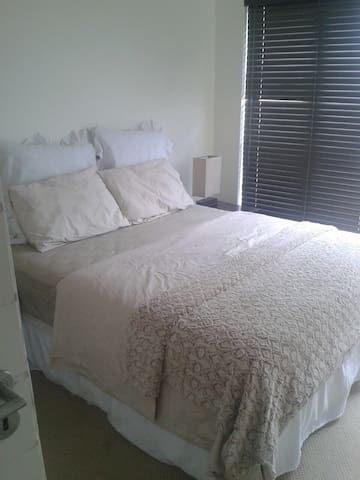 2Bed apartment in a Golf Estate! - Johannesburg - Lejlighed