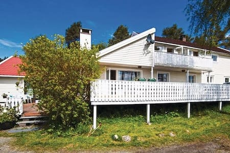 Hus ved sjøen - House by the sea, near Bergen - Mosterhamn - Ház