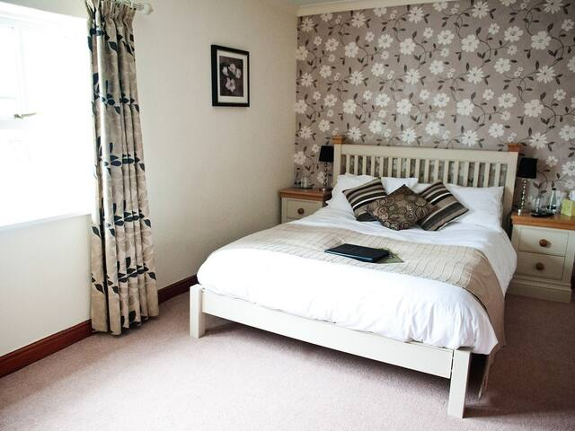The Plough Hotel - Double Room