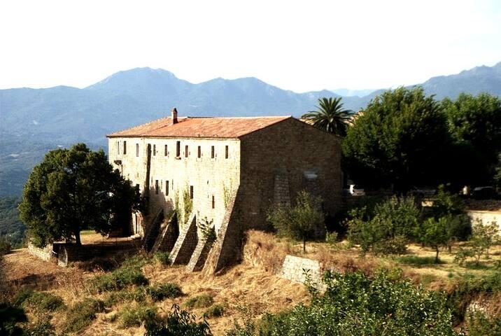 Gite de l'Ancien Couvent St François d'Istria