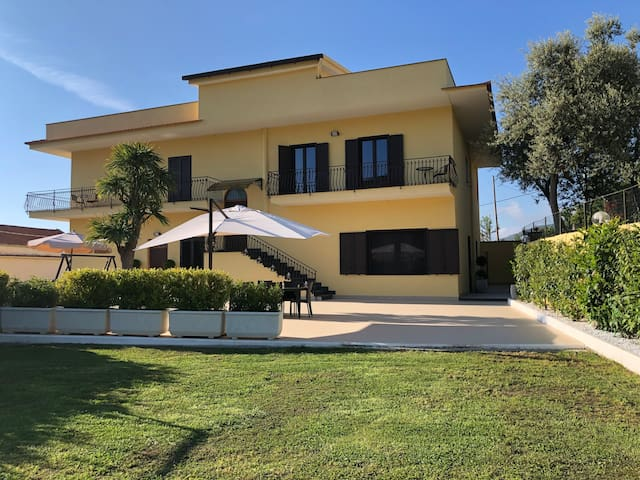 Villa Cinque (Positano)