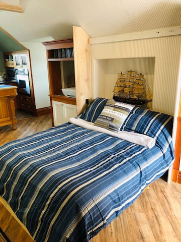 Murphy bed with temperpedic mattress