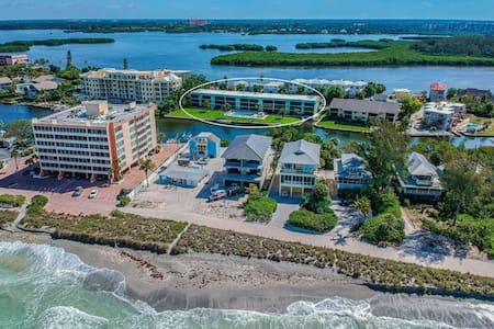 Siesta Key Waterfront Getaway