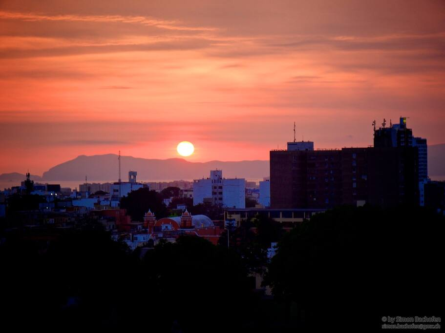 Sommermonate: Den Sonnenuntergang vom Balkon aus zu beobachten ist wundbar