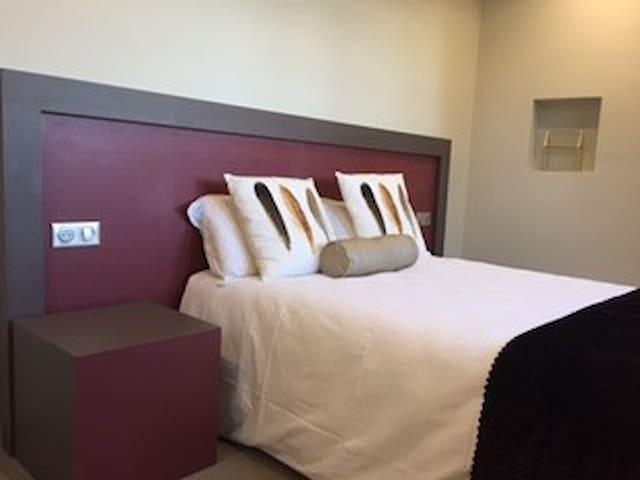 Les Sagranières  Chambres d'hôtes - Salers - Guesthouse