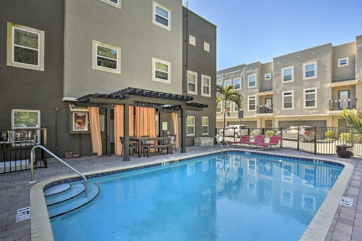 NEW! Tampa Townhome By Stadium, U.T. & Channelside