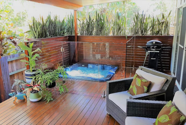 Pandanus Spa Cottage for Couples