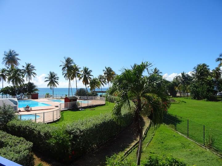 Ravissant studio, vue mer et accès plage à 50 m
