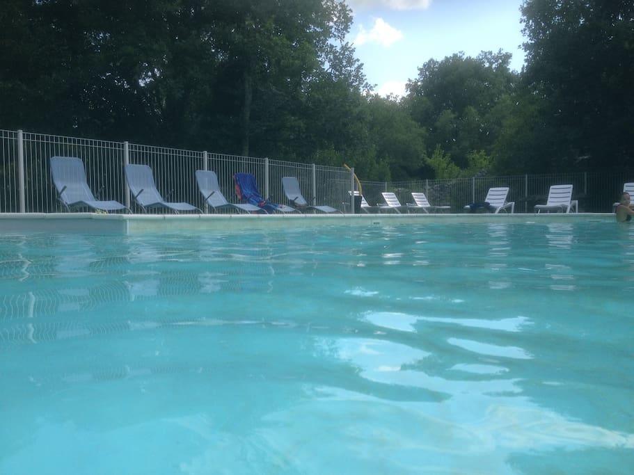 La piscine estivale sécurisée