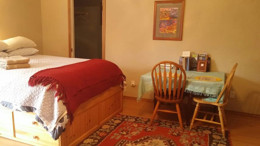 Cozy Studio Apartment in Flagstaff! - Flagstaff