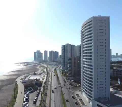 dpto por días frente playa brava/1 estacionamiento