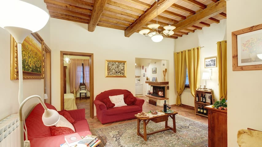 "Spacious Country House Tuscany ""Cappannelle"" -Pool"