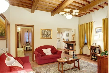 """Spacious Country House Tuscany """"Cappannelle"""" -Pool"""
