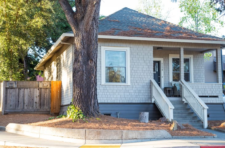 Historic Home in Downtown Sebastopol - Sebastopol - House
