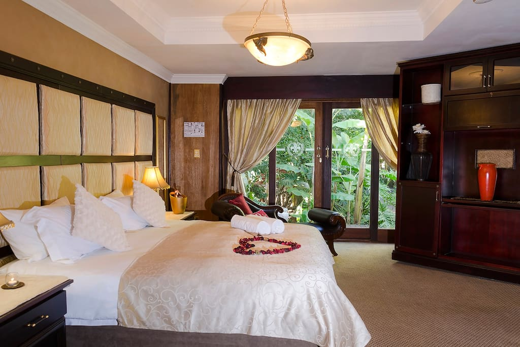 Room hire includes air-con, free Wi-Fi, flat screen TV with a beautiful view over our tropical garden.