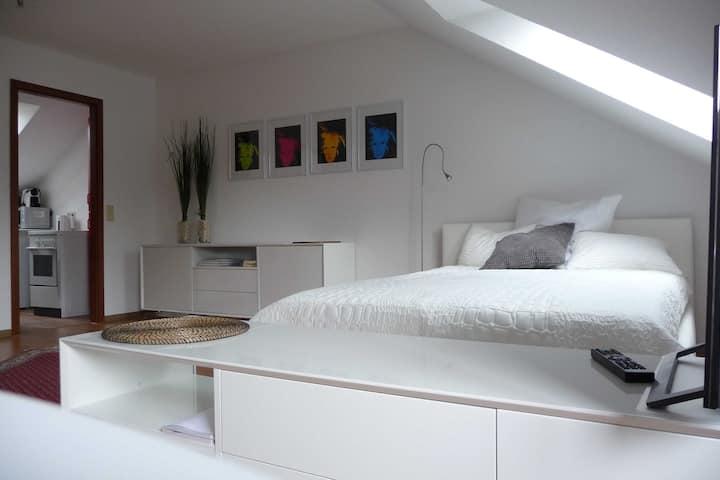 Helle freundliche Dachgeschoßwohnung mit Aussicht