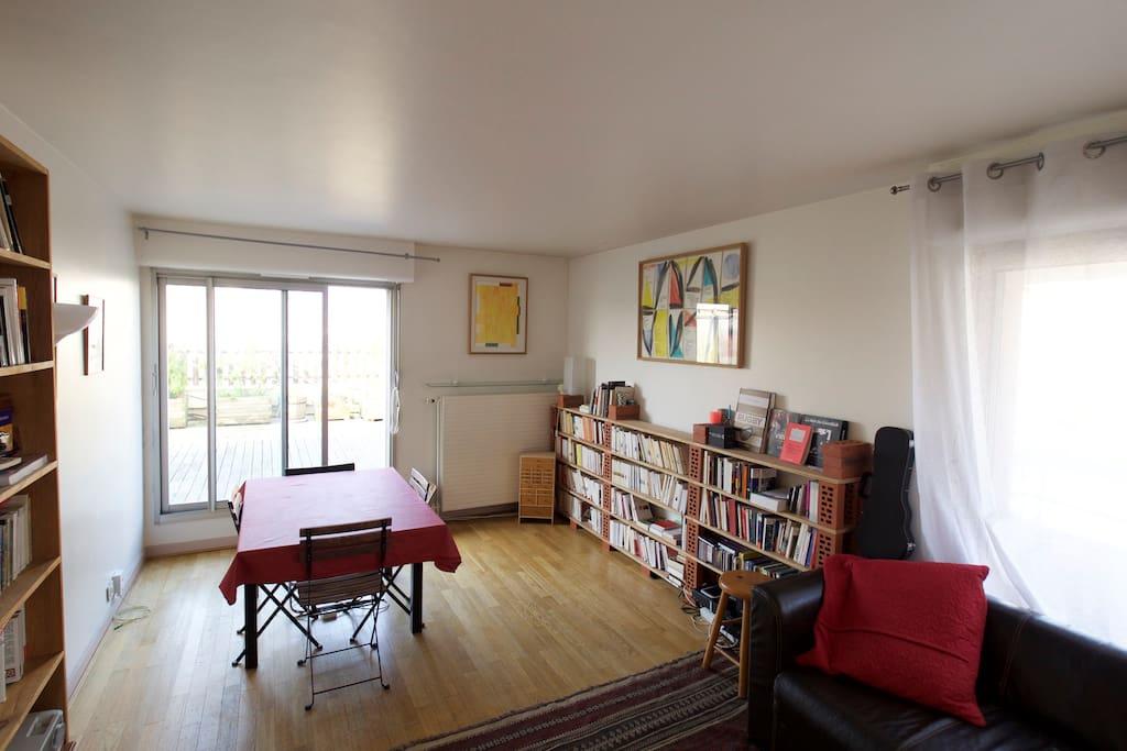 Very luminous living room
