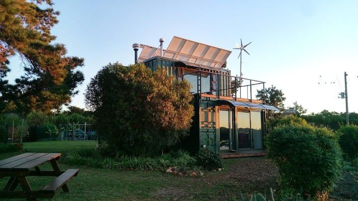 The Sanctuary Bush Retreat - Eco Container House