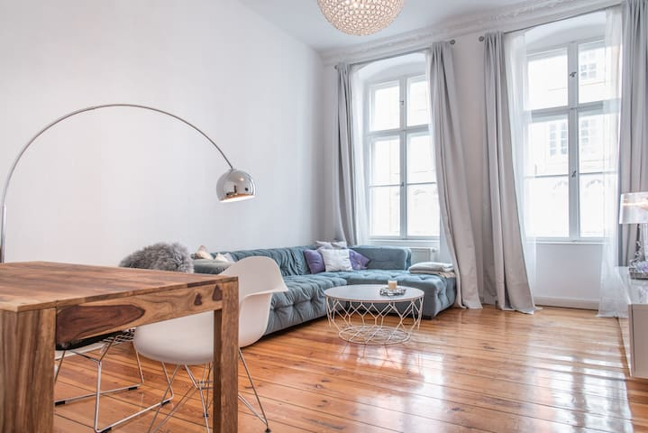 Stylish & cozy apartment in Berlin Mitte - Berlin - Appartement