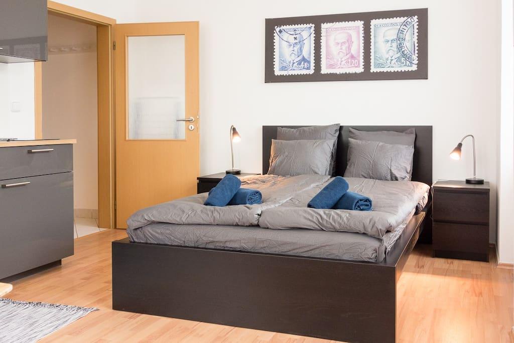 Comfortable bed, 140 cm wide