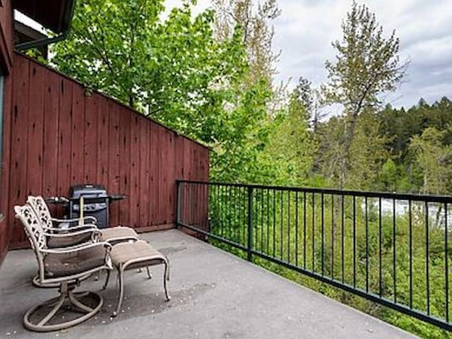 Beautiful Loft Condo on the Swan River in BigFork