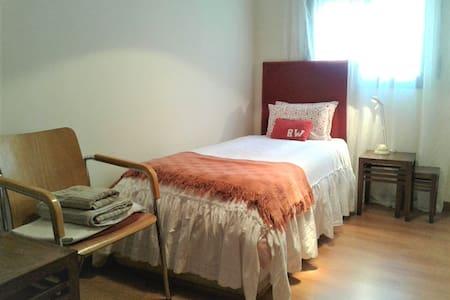 Room 1 pax,  20 min de Alicante City&Beach