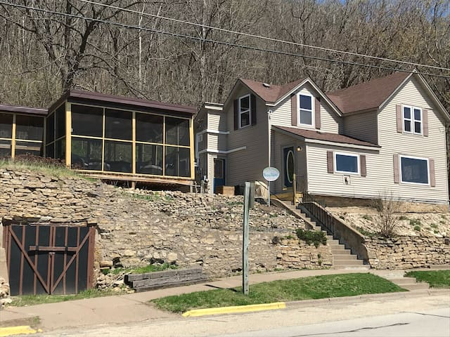 SHOREVIEW HOUSE -- Grandview Motel, LLC