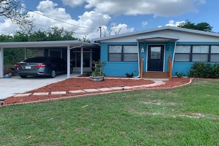 Bahama Blue Cottage - Priced right