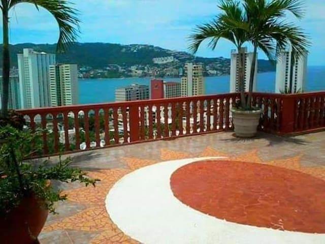 Habitaciones en bonita casa en Condesa Acapulco