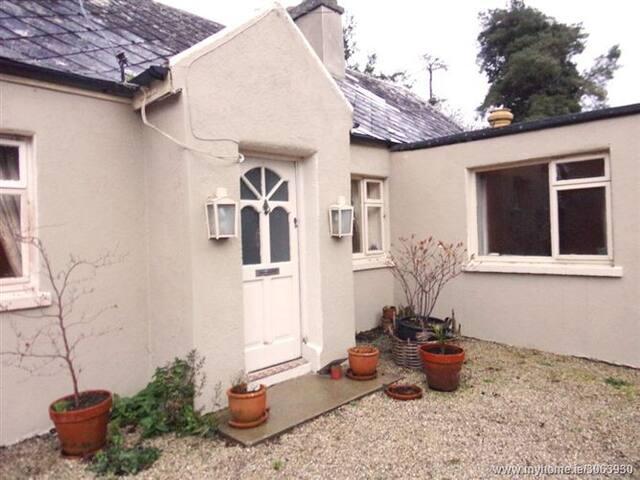 Irish Cottage Farm Stay (en-suite)
