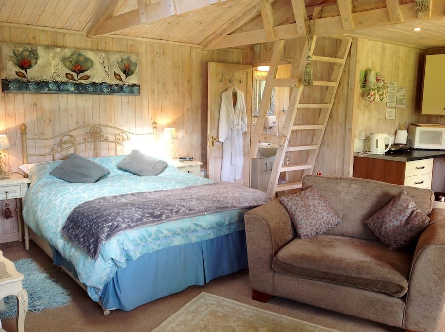 The interior shabby chic style