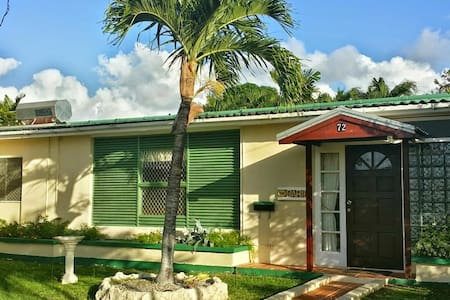 Sunset Crest- Orchid Row 72 - Holetown - Bungalow