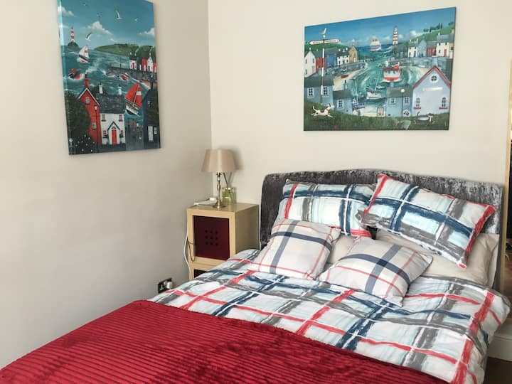Double Room / king size bed Family Bungalow  (H)