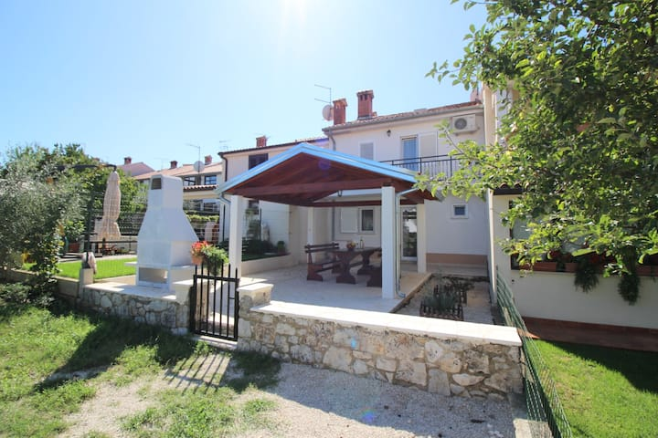 House for 6+1 persons with WLAN in Poreč R66829