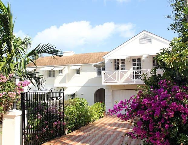 Shottery House, Sunset Drive - Nassau - Talo