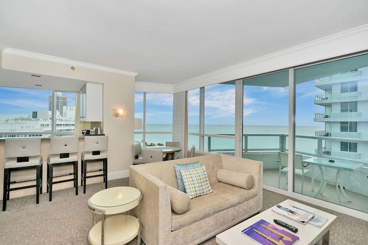 Large Ocean View 1BR/2BA in Fontainebleau