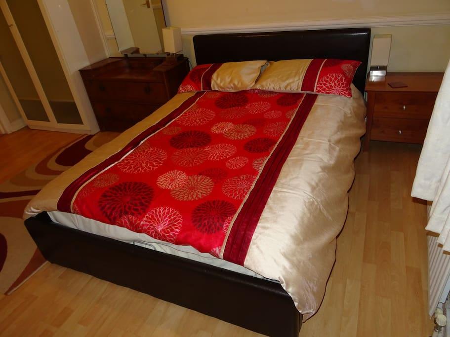Main Bedroom - Double Bed