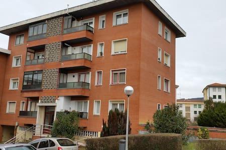 Se alquila piso para temporada de verano en Gorliz - Gorliz - Apartament