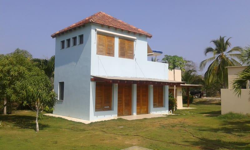Casa en condominio con marina y muelle privados - Barú - Rumah
