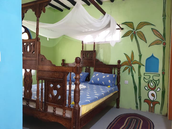 Real Africa private comfy Bungalow with Garden