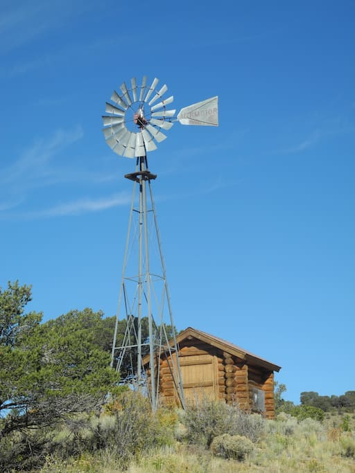 Mountain Vista Water Tank Bell : Beautiful cabin on acres minutes from town houses