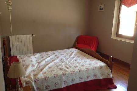 Une chambre dans maison de campagne: 20mn Toulouse
