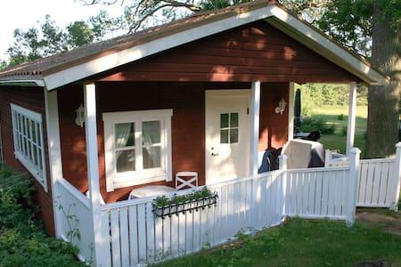 Charmig stuga i Roslagen - Norrtälje SO