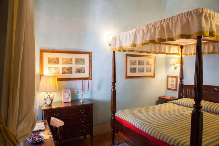 Romantic Room in Boutique house in Florence
